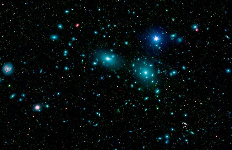 Gromada Coma ma 10 razy więcej ciemnej materii niż Droga Mleczna /NASA