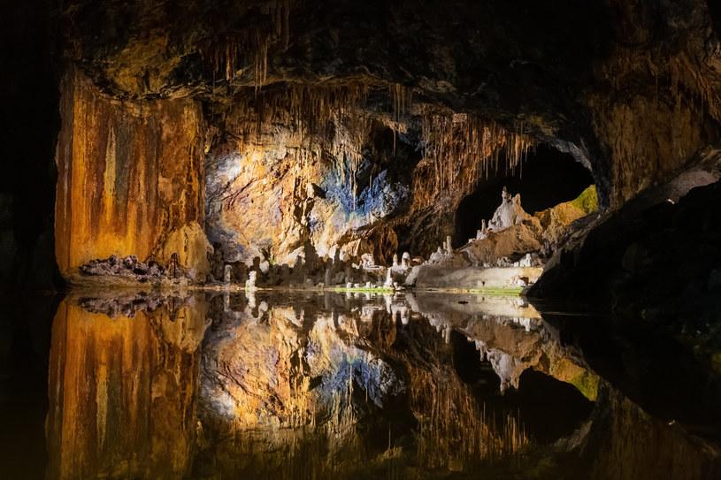 Groty Wróżek to wyjątkowa atrakcja, której zwiedzanie może potrwać nawet cały dzień /123RF/PICSEL