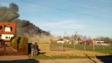 Groźny pożar hali z ozdobami świątecznymi