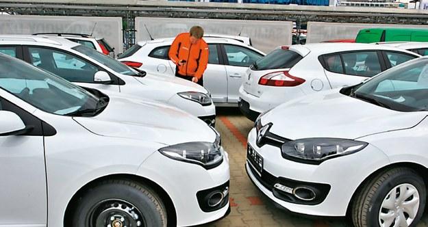 Grubość lakieru w nowych autach /Motor