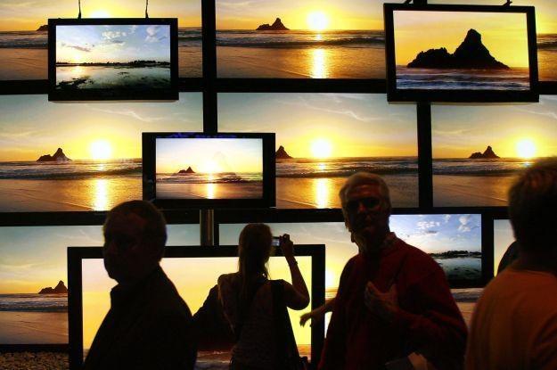 Grubsze telewizory wracają do łask? /AFP