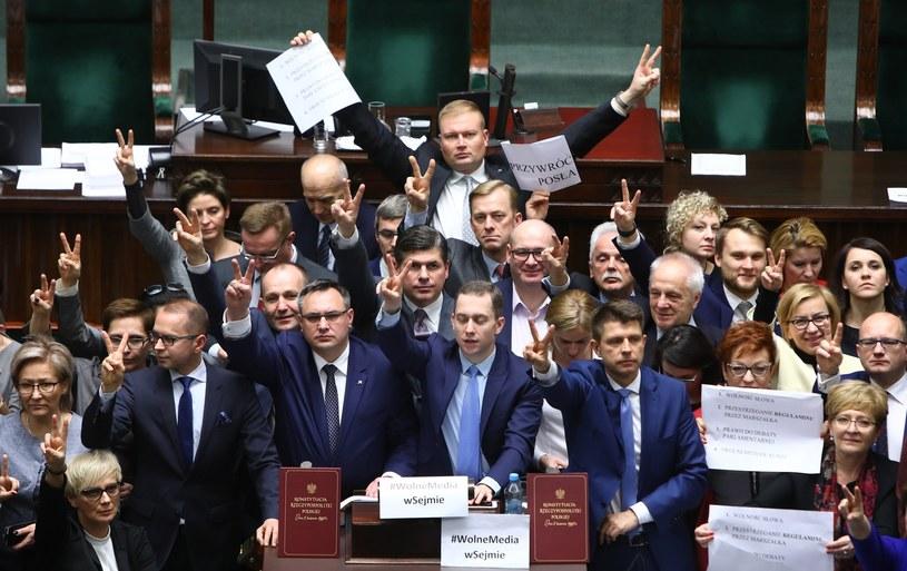Grudniowy protest w Sejmie /STANISLAW KOWALCZUK /East News