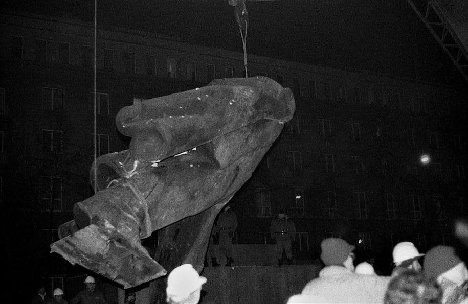 Grudzień 1989 r. Usunięcie Lenina /Jacek Boroń /