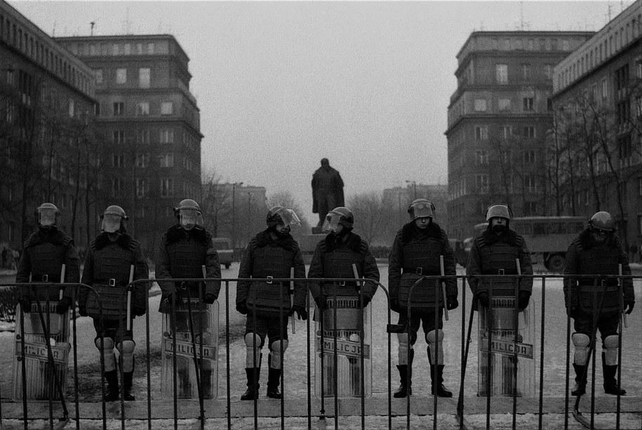 Grudzień 1989 r. Zomowcy przed Leninem /Jacek Boroń /