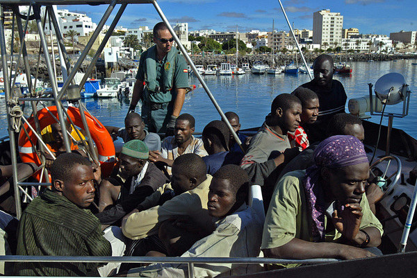 Grupa aftykańskich imigrantów /Samuel Aranda /AFP