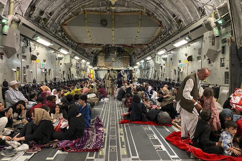 Grupa Holendrów była przeciw przyjmowaniu uchodźców z Afganistanu /AFP