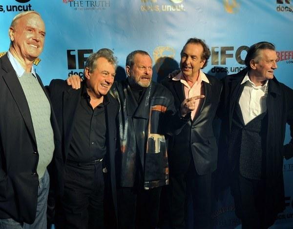 Grupa Monty Pythona w pełnym składzie /AFP