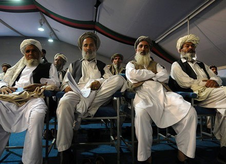 Grupa pasztuńskich wodzów w Kabulu, maj 2008 /AFP