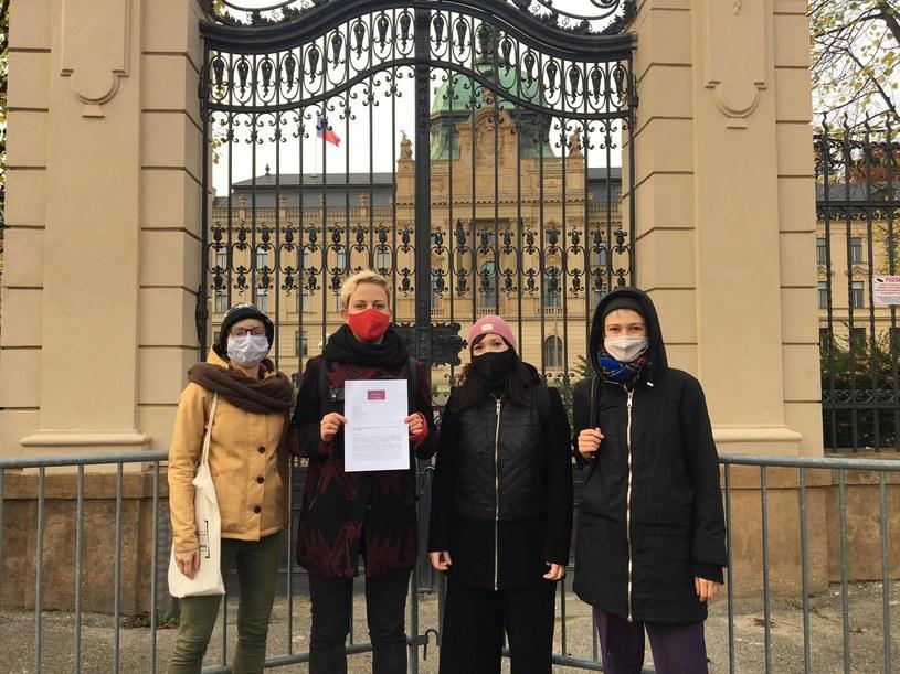 Grupa Polek napisała list do premiera Czech Andreja Babisza w sprawie możliwości przeprowadzania legalnej aborcji w Czechach przez Polki /Ciocia Czesia  /materiały prasowe