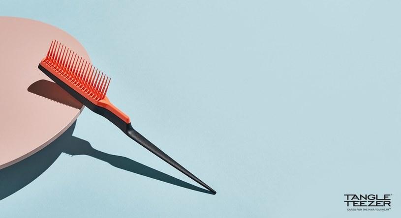 Grzebień Tangle Tezeer Back Combing Coral Sunshine /INTERIA.PL/materiały prasowe