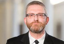 """Grzegorz Braun nazwał Adama Niedzielskiego """"syntezatorem mowy"""""""