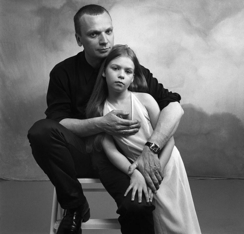 Grzegorz Ciechowski z córką Weroniką w 1996 roku, fot. Andrzej Świetlik /Agencja FORUM