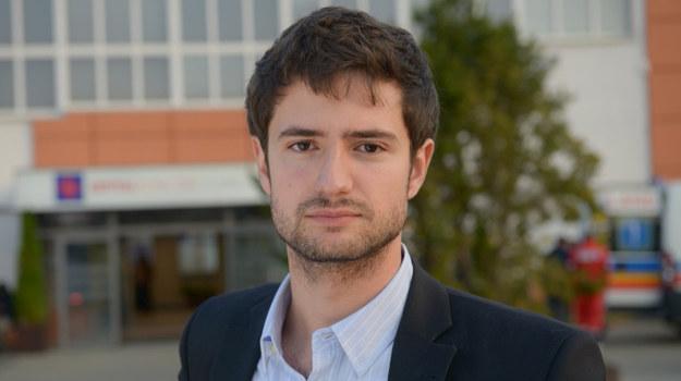 Grzegorz Daukszewicz wcieli się w Adama /  /Agencja W. Impact