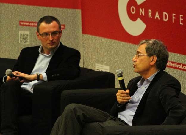 Grzegorz Jankowicz w rozmowie z Orhanem Pamukiem, fot. Jan Graczynski /East News/ Zeppelin