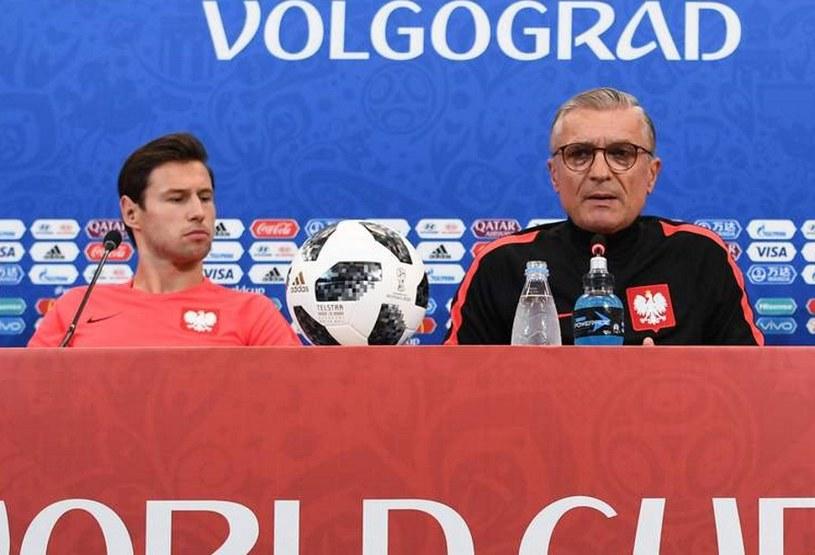 Grzegorz Krychowiak i Adam Nawałka przed meczem Japonia - Polska na MŚ. /AFP