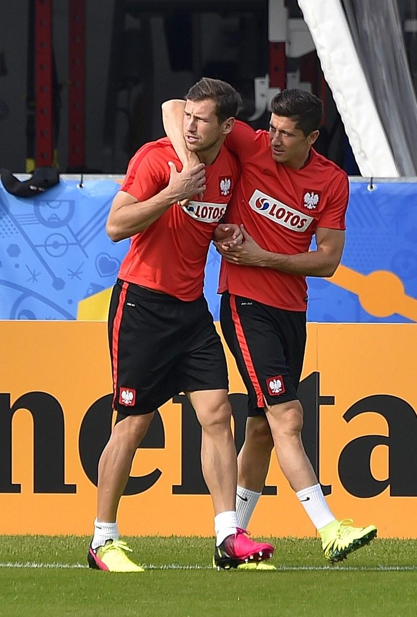 Grzegorz Krychowiak i Robert Lewandowski /East News
