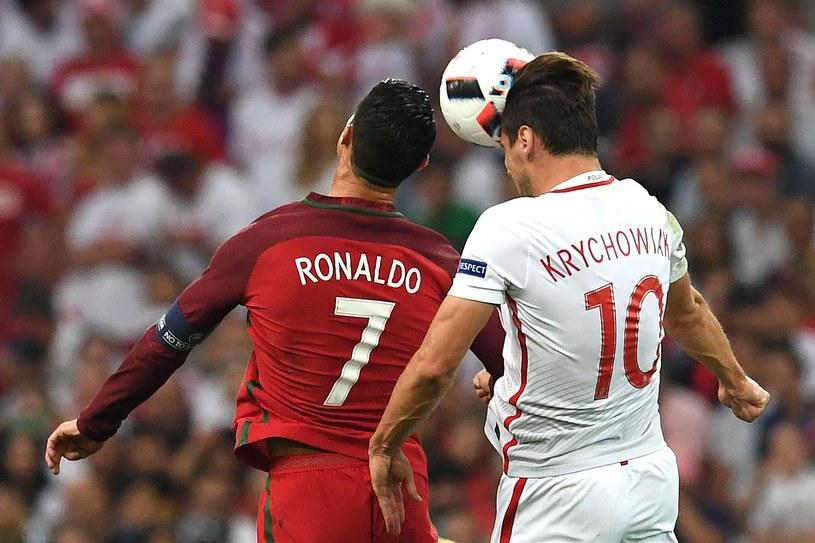 Grzegorz Krychowiak kontra Cristiano Ronaldo podczas Euro 2016 /AFP