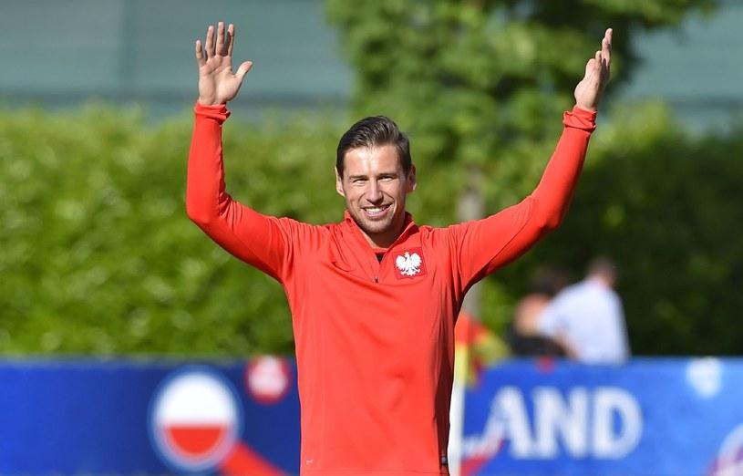 Grzegorz Krychowiak na zdjęciu w dresie reprezentacji Polski /AFP