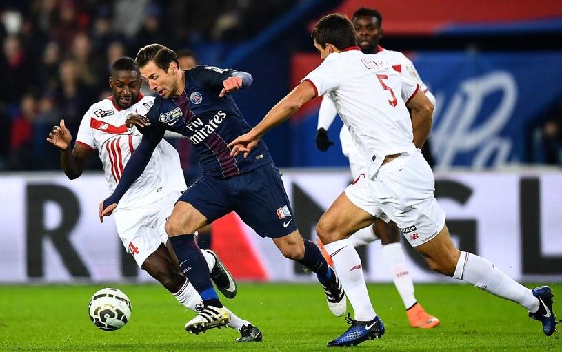Grzegorz Krychowiak podczas meczu Pucharu Francji z OSC Lille /AFP