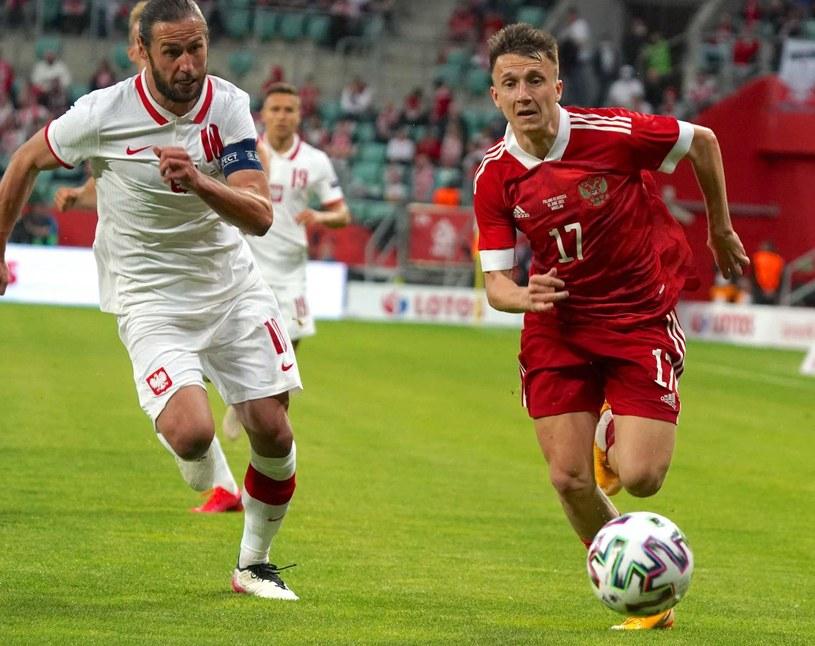 Grzegorz Krychowiak w meczu towarzyskim z Rosją /AFP