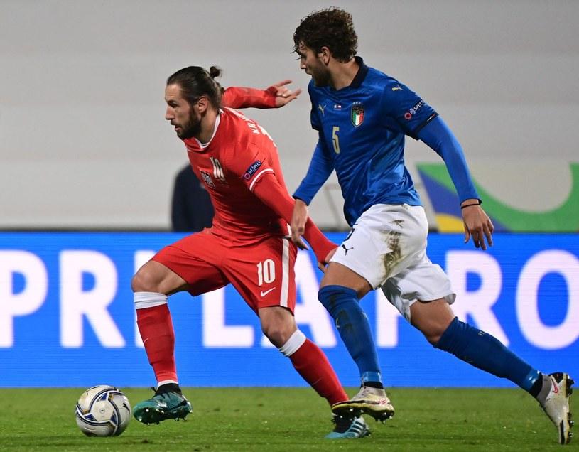 Grzegorz Krychowiak w meczu z Włochami /AFP