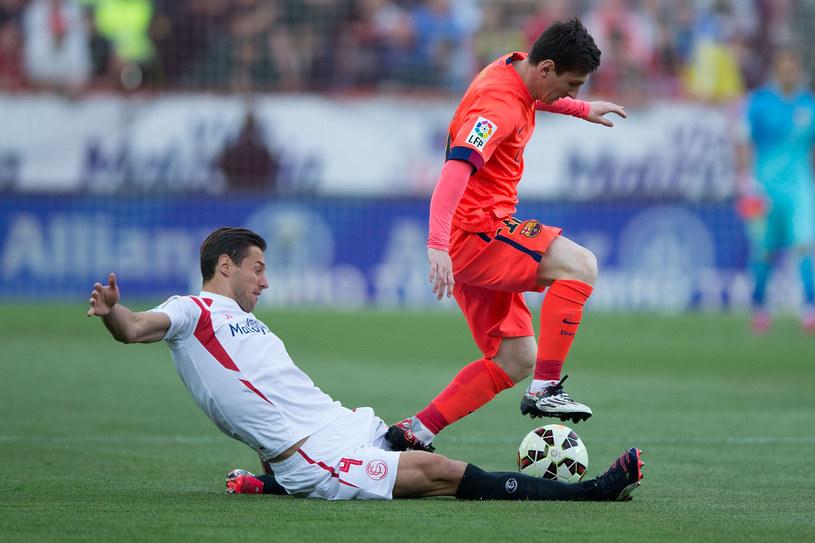 Grzegorz Krychowiak (z lewej) i Lionel Messi /Gonzalo Arroyo Moreno /Getty Images