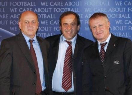 Grzegorz Lato, Michel Platini, Grigorij Surkis /AFP