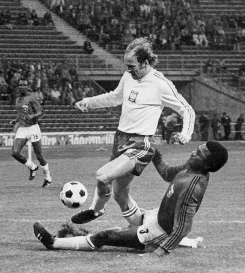 Grzegorz Lato w meczu z Haiti podczas mundialu w 1974 roku /AFP