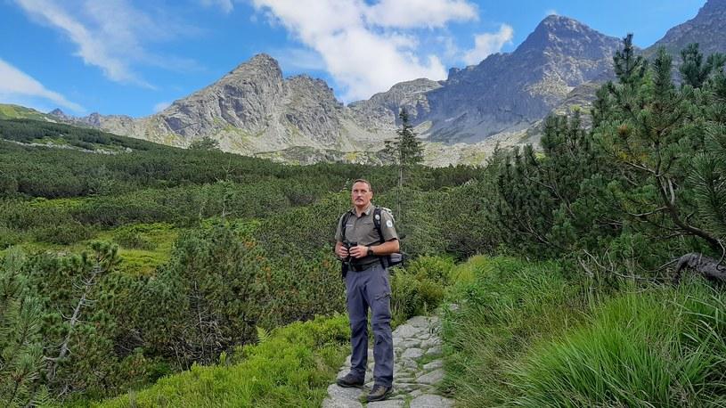Grzegorz Lorek, zastępca komendanta Straży Tatrzańskiego Parku Narodowego, przyznaje, że jest spory problem z pijanymi turystami /materiały prasowe