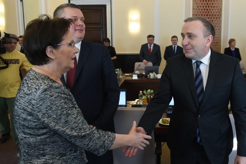 Grzegorz Schetyna i premier Ewa Kopacz /Radek Pietruszka /PAP
