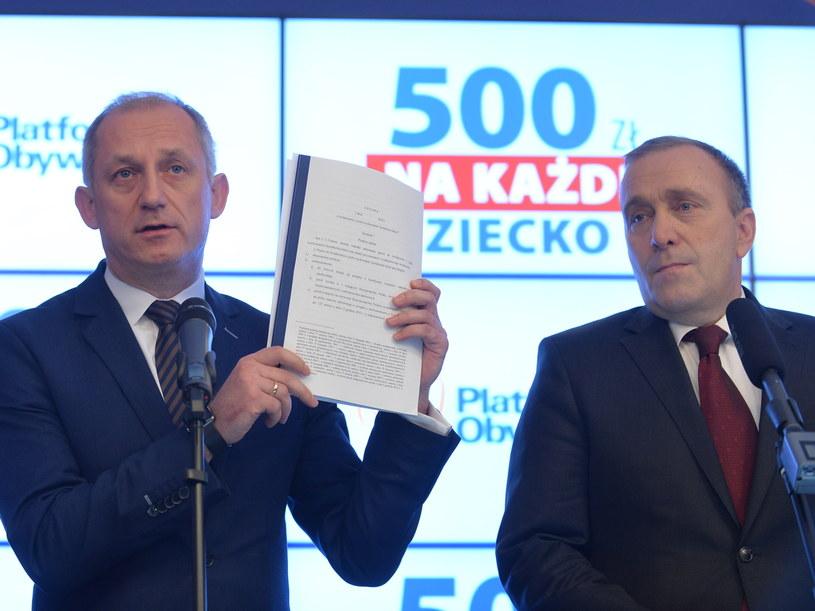 Grzegorz Schetyna i przewodniczący klubu PO Sławomir Neumann /Marcin Obara /PAP