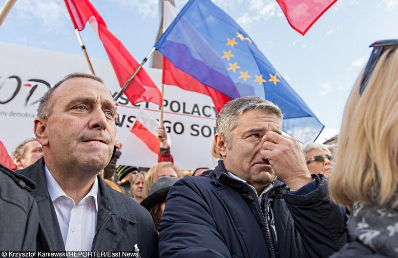 Grzegorz Schetyna i Władysław Frasyniuk na marszu KOD /Reporter
