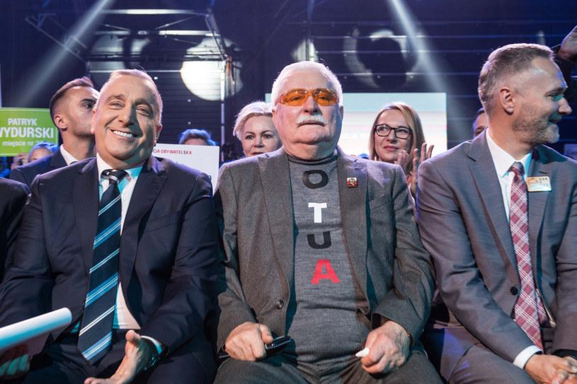 Grzegorz Schetyna, Lech Wałęsa i Jarosław Wałęsa na konwencji KO /Jacek Domiński /Reporter