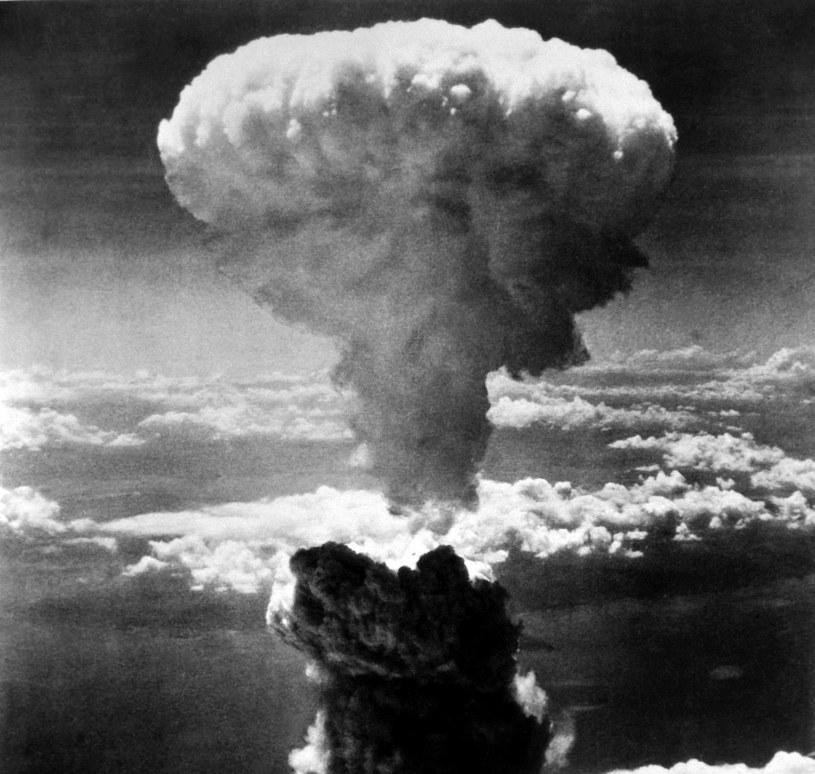 Grzyb atomowy po zrzuceniu bomby na Nagasaki /FoKa /Agencja FORUM