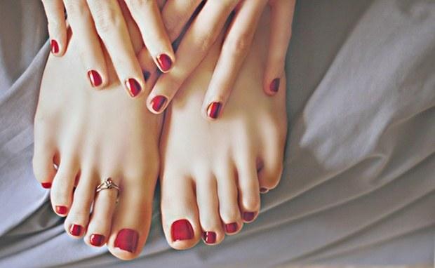 grzybica paznokci sposoby /© Photogenica