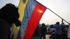 Guaido chce obalić Maduro. Wymiana ognia między żołnierzami
