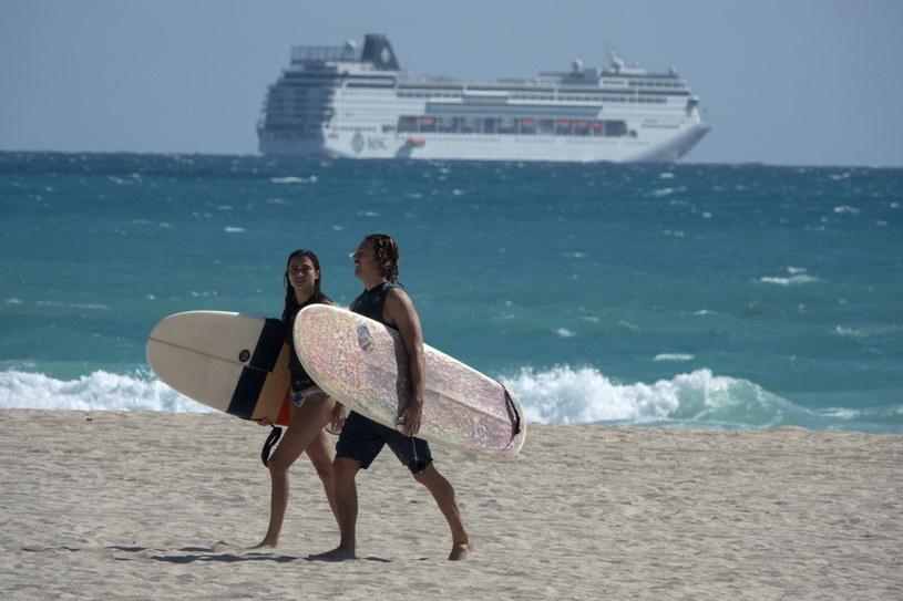 Gubernator Florydy nie zamknął plaż mimo obaw przed koronawirusem /CRISTOBAL HERRERA /PAP/EPA