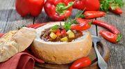Gulasz warzywny z kiełbaskami i parówkami