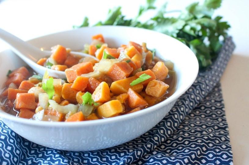 gulasz z ziemniaków /© Photogenica