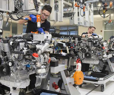 GUS: Produkcja samochodów kompletnie się załamała
