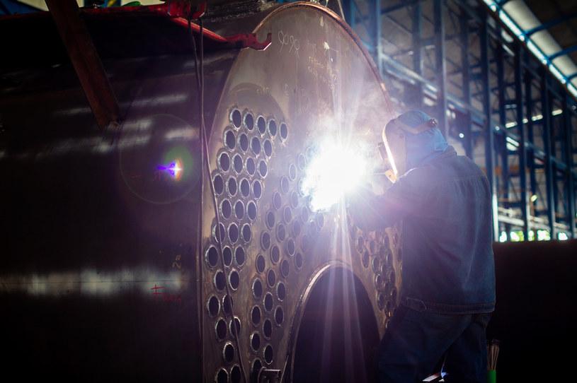 GUS skorygował dane o produkcji przemysłowej w grudniu do 11,1 proc. z 11,2 proc. wcześniej /123RF/PICSEL