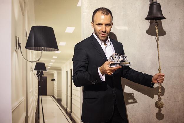 Gustaw Groth, prezes Platinum Properties Group, w czasie debiutu na GPW /PAP