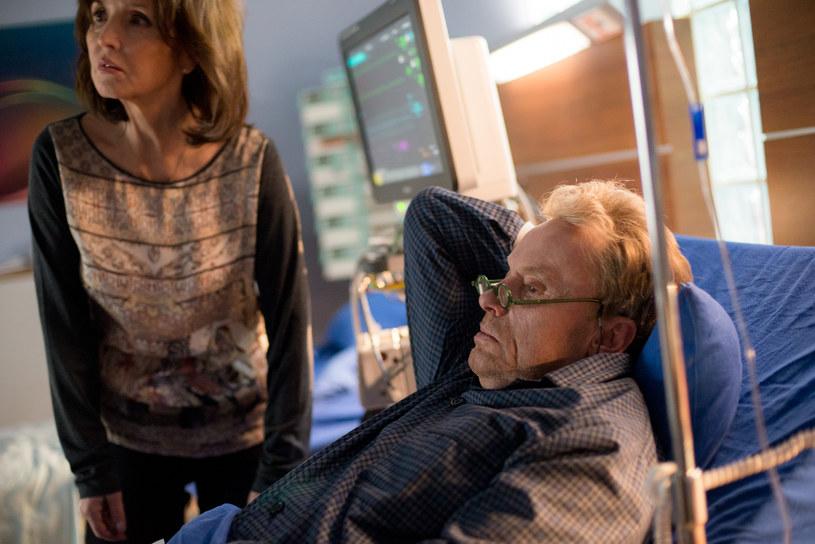 Gustaw zapowie, że mimo wszystko będzie walczył o wnuka. Nienawidzi Alicji i chce ją zranić. /x-news/Piotr Litwic /TVN