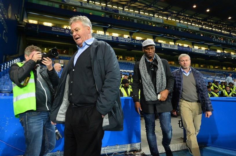 Guus Hiddink, Didier Drogba i Roman Abramowicz /AFP
