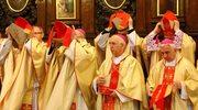 """""""GW"""": Polscy biskupi pojadą na synod z twardym stanowiskiem ws. komunii dla rozwiedzionych"""