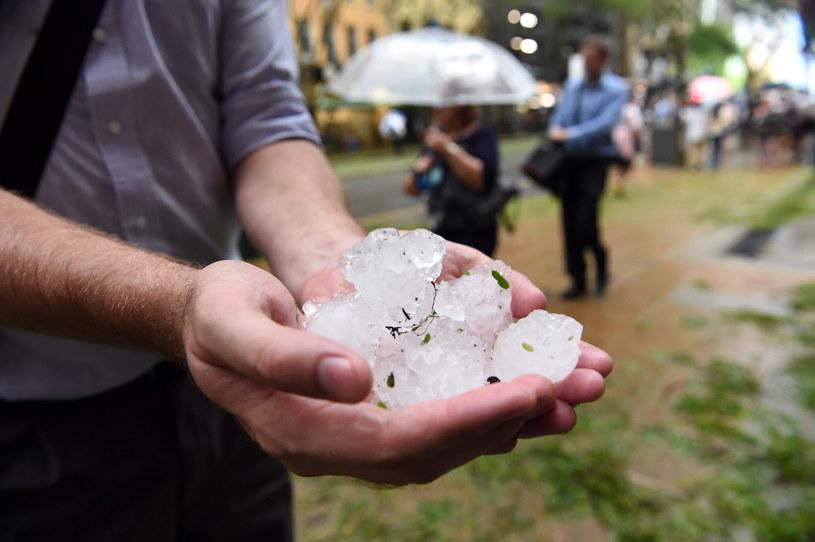 Gwałtowna nawałnica przeszła przez Brisbane /PAP/EPA