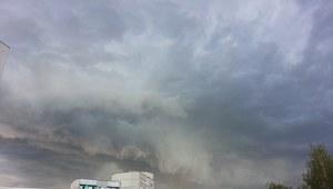 Gwałtowne burze nad Polską. 25 tys. odbiorców bez prądu