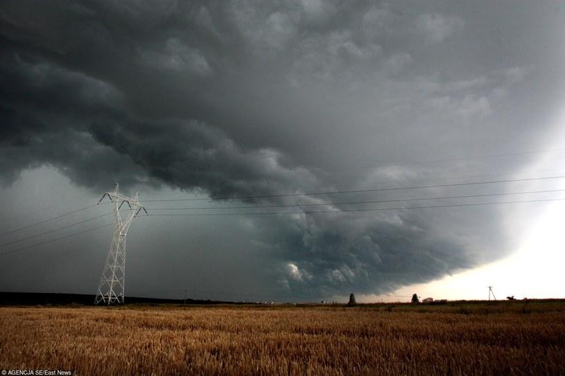 Gwałtowne burze nadciągają do Polski /Jakub Orzechowski  /East News