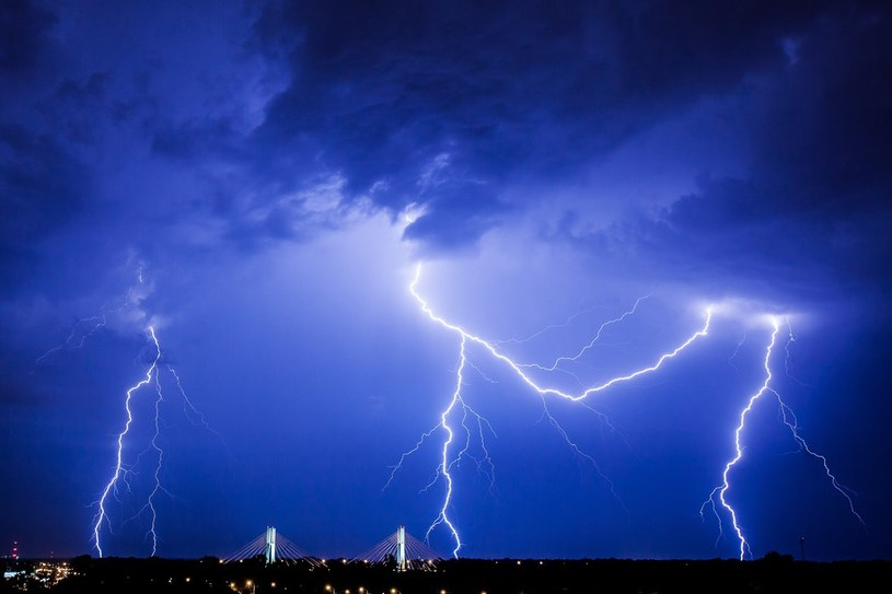 Gwałtowne burze nadciągają nad Polskę /Wojciech Talacha /Reporter