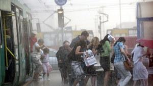 Gwałtowne burze przechodzą nad Polską. IMGW ostrzega